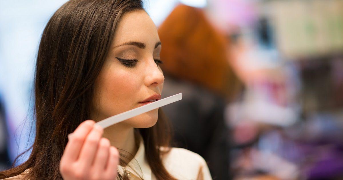 Read more about the article Блоттер — миниатюрный тестер аромата