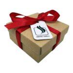 Подарункова коробка 70х70х33мм крафт (зі стрічкою, вкладкою та біркою)